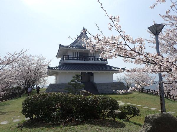 海山城展望台の桜
