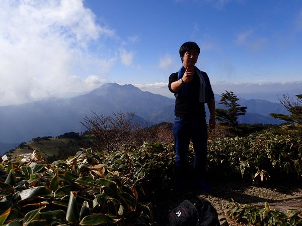 瓶ケ森男山で記念写真