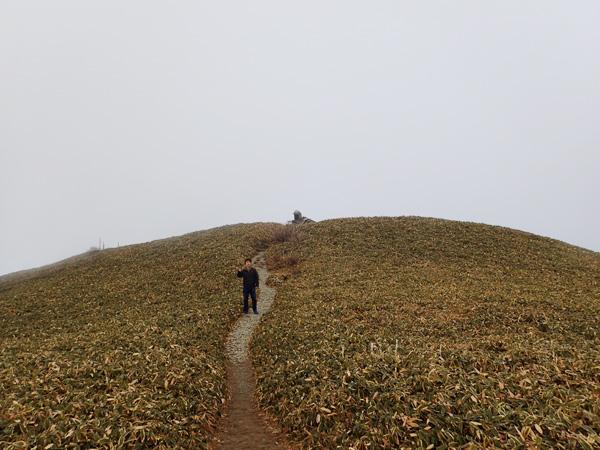 瓶ケ森女山の濃霧