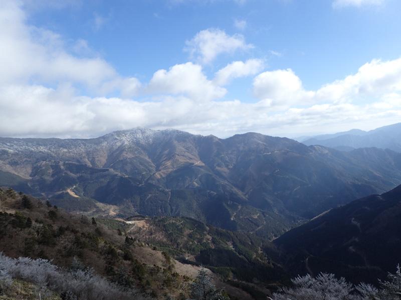 寒風山から伊予富士へ