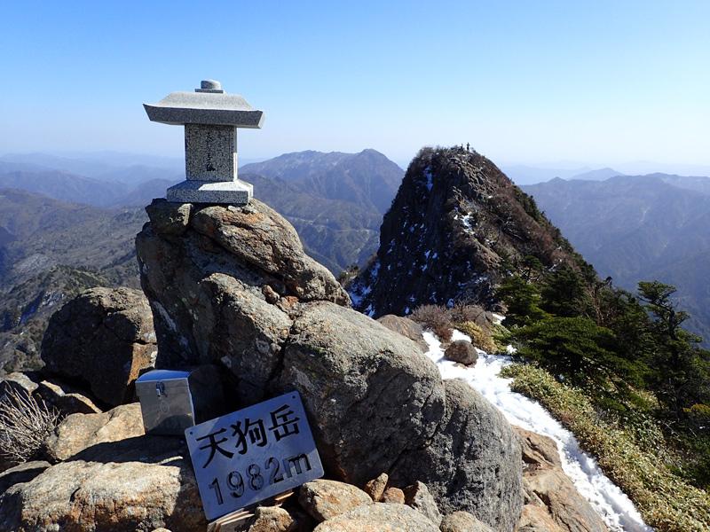 冬の石鎚山山頂天狗岳