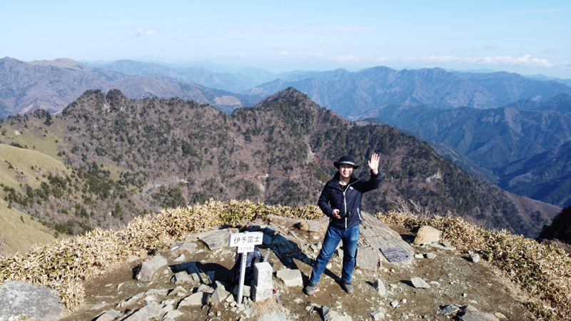 伊予富士山頂にてドローン撮影