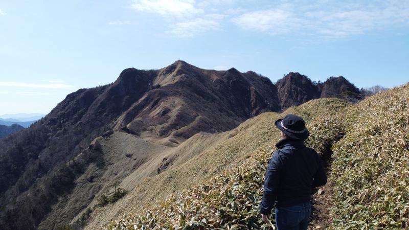 伊予富士に通じる尾根