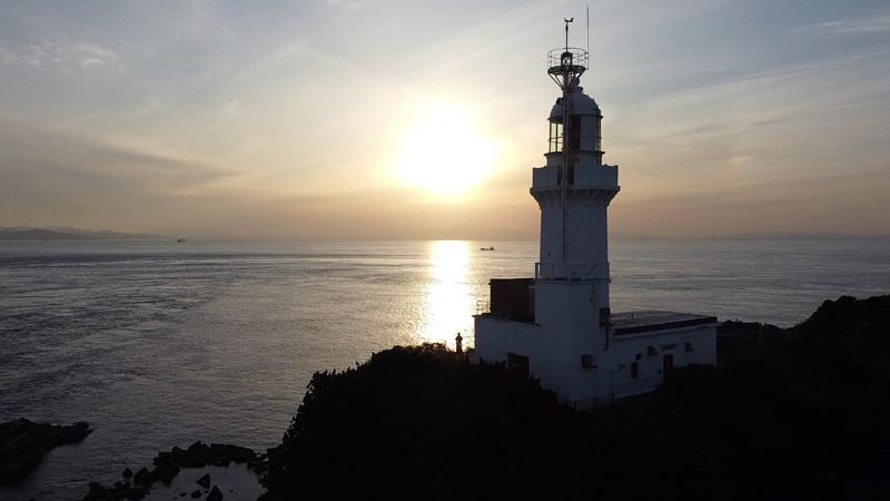 佐田岬灯台と夕日