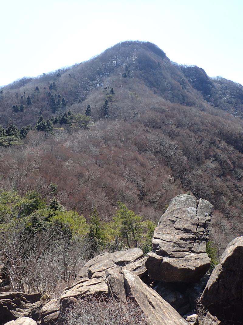 西赤石山かぶと岩