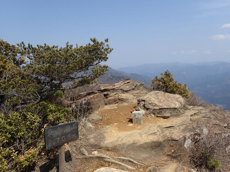 東赤石山山頂